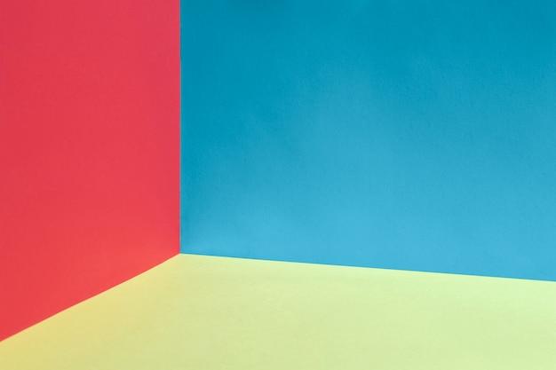 Bunter hintergrund mit den roten und blauen wänden Kostenlose Fotos