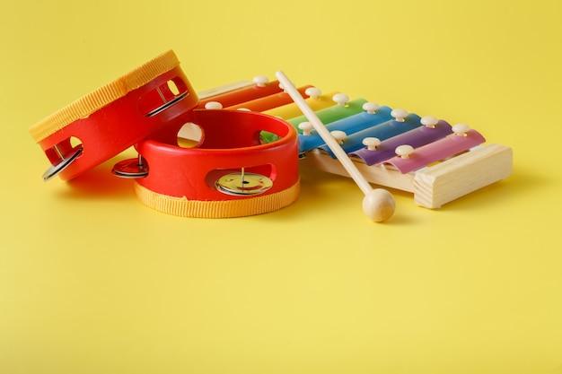 Buntes baby-xylophon mit stock Premium Fotos