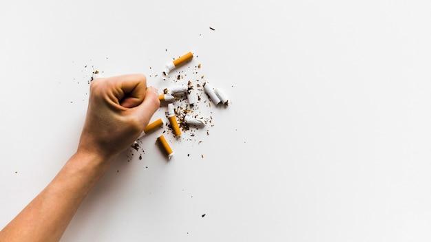 Buntes wort der draufsicht mit zigaretten Kostenlose Fotos