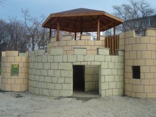 Burg auf einem kinderspielplatz Kostenlose Fotos