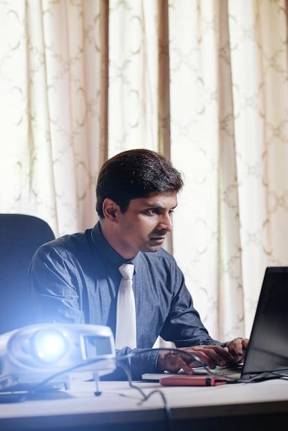 Business executive einstellung projektor Kostenlose Fotos