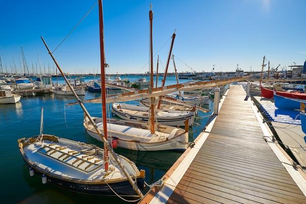 Cambrils hafenhafen in tarragona katalonien Premium Fotos