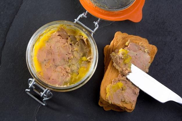 Canard foie gras pastete aus der leber einer ente Premium Fotos