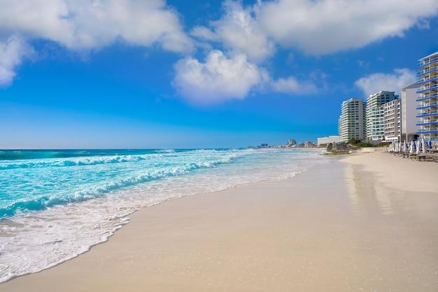 Cancun forum strand playa gaviota azul Premium Fotos