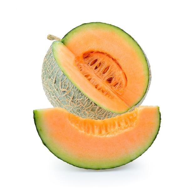 Cantaloupe melone isoliert. volle schärfentiefe isoliert Premium Fotos