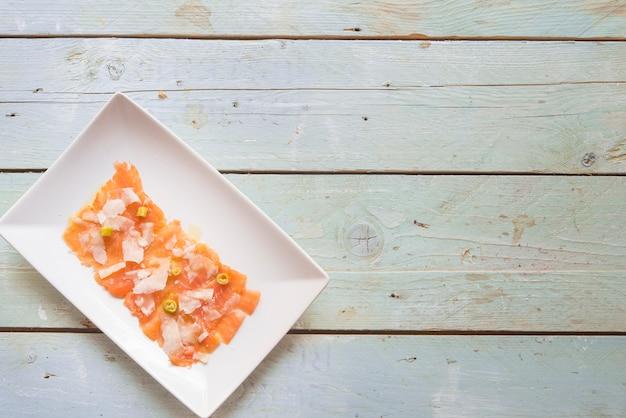 Carpaccio lachs mit käse Premium Fotos
