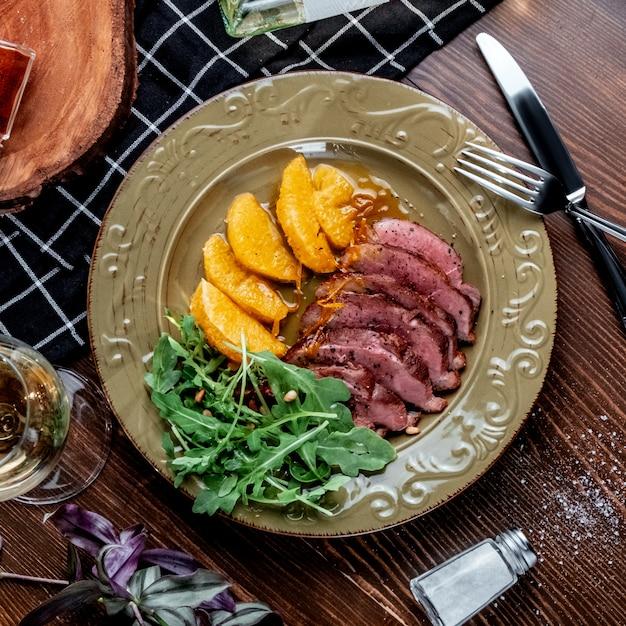 Carpaccio mit fleisch mit ananas Kostenlose Fotos