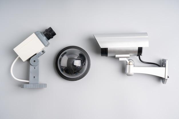 Cctv sicherheit online-kamera mit hausplan Premium Fotos