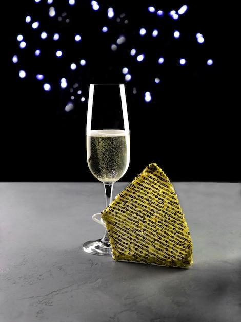 Champagner mit luxusmaske zum feiern Premium Fotos
