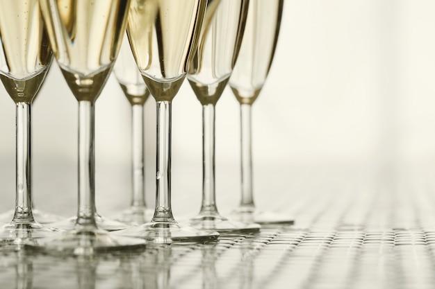 Champagnergläser mit champagner Kostenlose Fotos