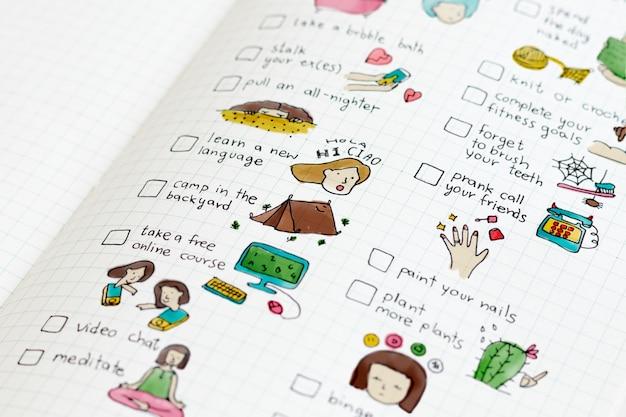 Checkliste zu hause in einem notizbuch Kostenlose Fotos