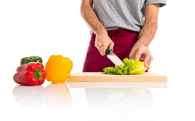 Chef schneide salat Kostenlose Fotos