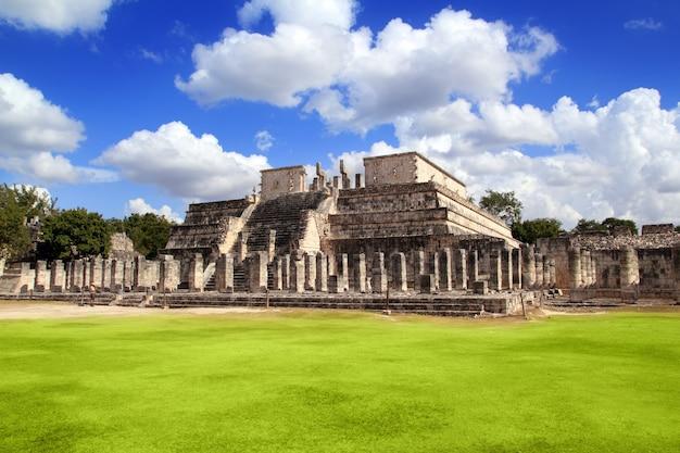 Chichen itza warriors temple los guerreros mexiko Premium Fotos
