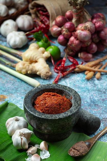 Chili curry und gewürze thailändisches essen Kostenlose Fotos