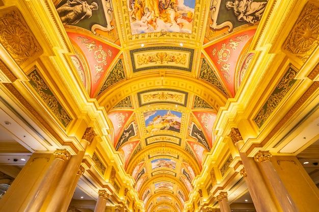 China, macao - 10. september 2018 - luxushotelrücksortierung und -kasinospiel in venetianischem landmar Premium Fotos