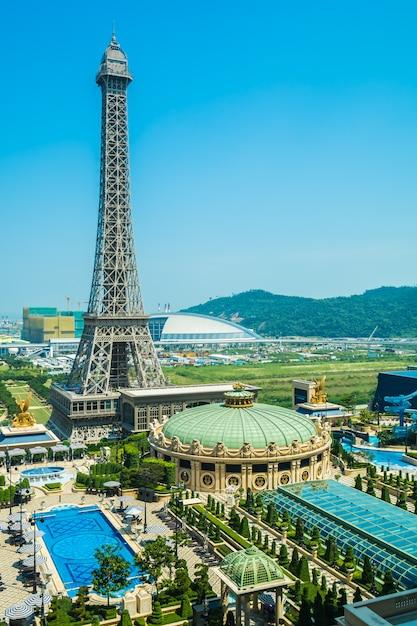 China, macau - 10. september 2018 - schöner eiffelturmmarkstein des pariser hotels und des r Premium Fotos