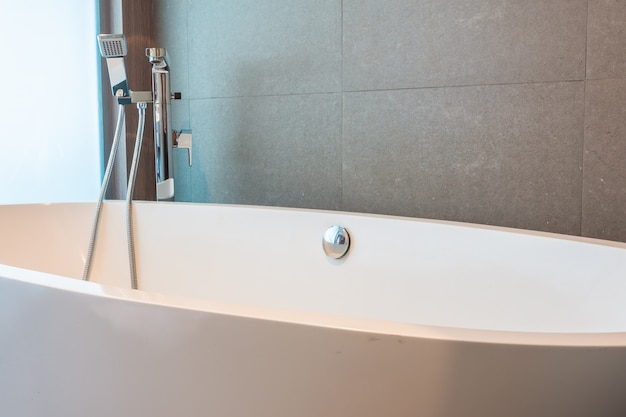 Close-up von einer großen Badewanne Kostenlose Fotos
