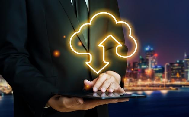 Cloud-computing-technologie und online-datenspeicherung Premium Fotos