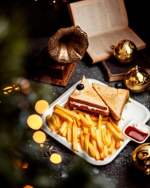Club sandwich mit pommes Kostenlose Fotos