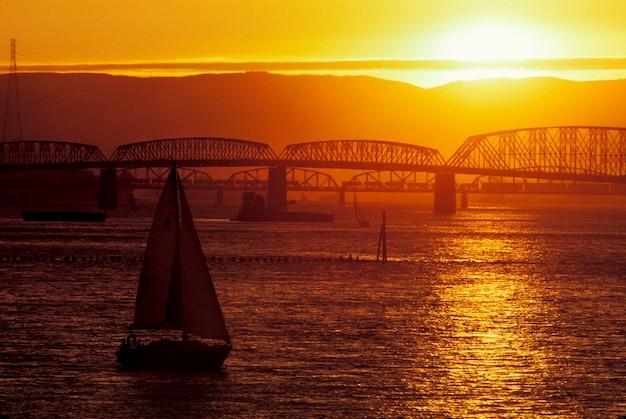Columbia river, zwischenstaatliche brücke, portland, oregon Premium Fotos