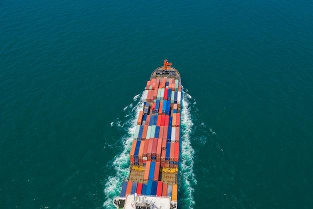 Container versenden import und export internationaler unternehmen dienstleistungen transport durch seeschreck Premium Fotos