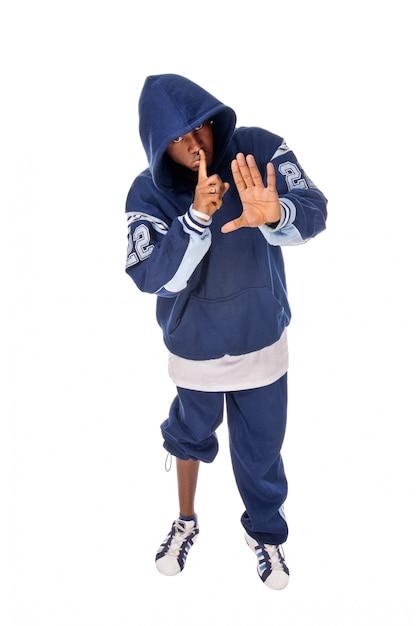Cool junge hip-hop-mann auf weißem hintergrund Kostenlose Fotos