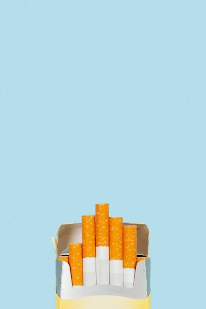 Copy-space-packung zigaretten Premium Fotos