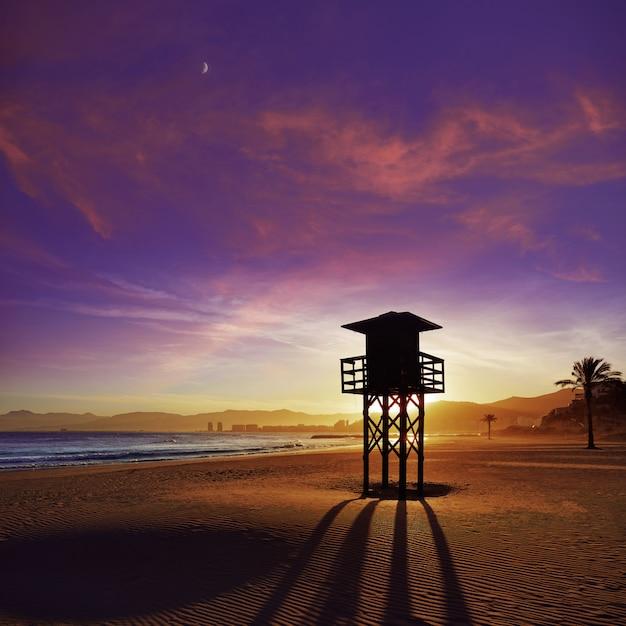 Cullera playa los olivos strandsonnenuntergang in valencia Premium Fotos