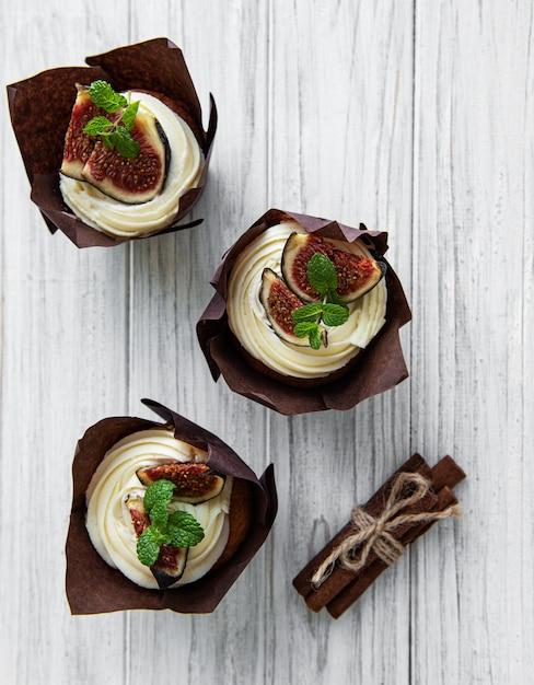 Cupcakes mit feigen Premium Fotos