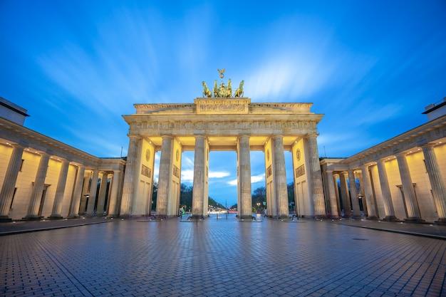 Das brandenburger tor-monument in berlin-stadt, deutschland Premium Fotos