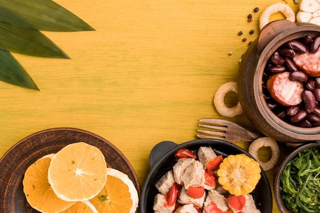 Das brasilianische essensarrangement lag flach Kostenlose Fotos