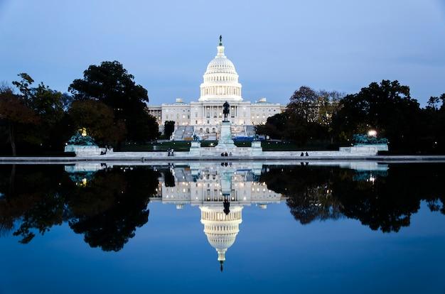 Das kapitolgebäude vereinigter staaten im washington dc, die vereinigten staaten von amerika Premium Fotos