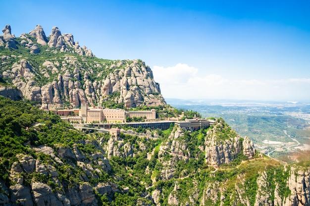 Das kloster montserrat befindet sich auf dem berg montserrat in katalonien in barcelona Premium Fotos