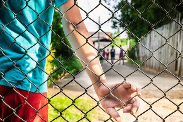 Das konzept der problemkinder. Premium Fotos