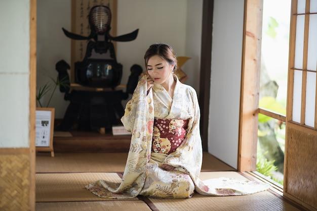 Dating mit japanischen mädchen