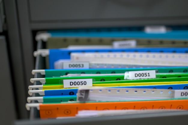 Datei im büro aktenschrank Premium Fotos
