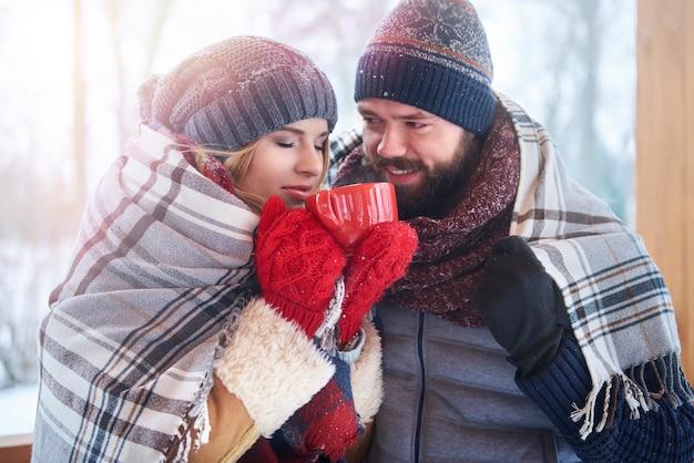 Decke und tee zum aufwärmen Kostenlose Fotos