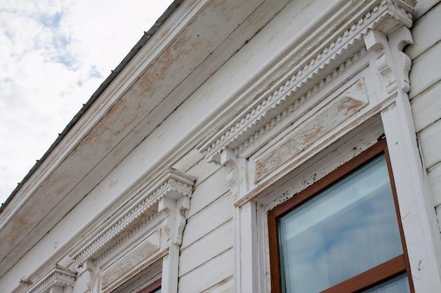 Dekorelemente von handelshäusern in elabuga, russland Premium Fotos