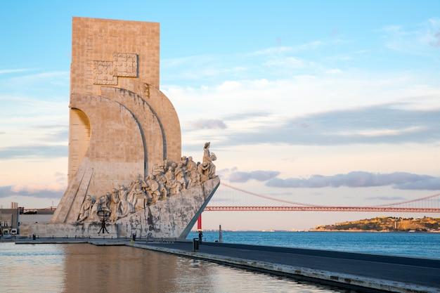 Denkmal für die entdeckungen lissabon Premium Fotos