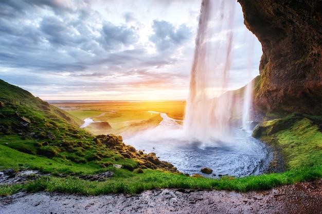 Der berühmteste isländische wasserfall Premium Fotos