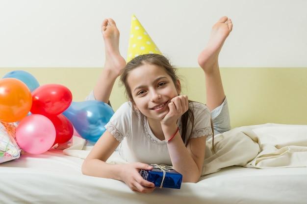 Der geburtstag der teenagerin ist zehn jahre alt Premium Fotos