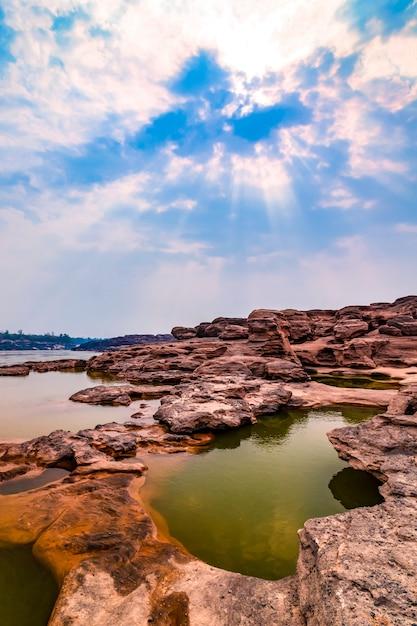 Der grand canyon von thailand grenzt an die grenze von laos Premium Fotos