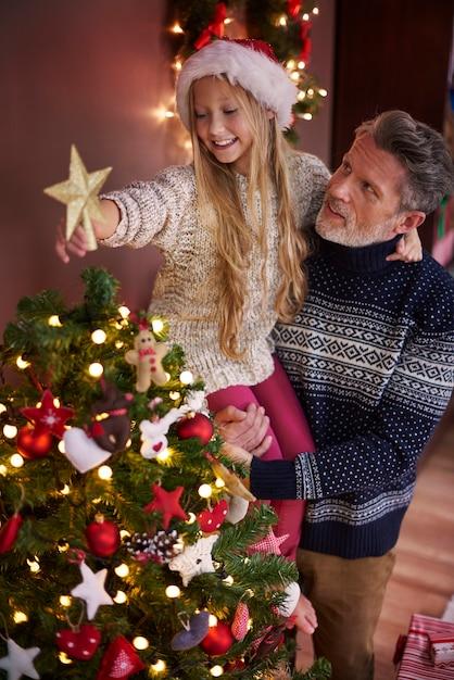 Der letzte teil des weihnachtsbaumes Kostenlose Fotos