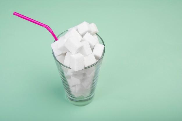 Der schaden von zucker in milchshakes. Premium Fotos