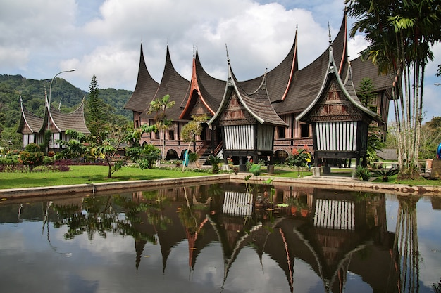 Der tempel auf der insel sumatra, indonesien Premium Fotos