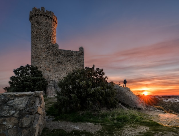 Der wachturm bei sonnenaufgang Premium Fotos