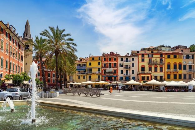 Der zentrale platz der stadt von lerici, italien Premium Fotos