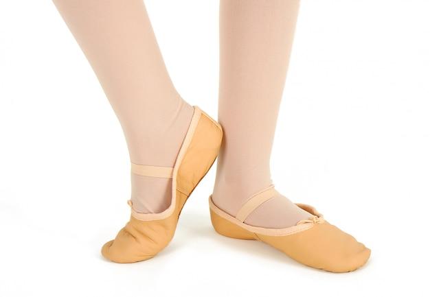 Detail der füße eines tänzers mit halbpointe Premium Fotos