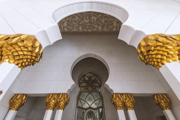 Details von sheikh zayed moschee in abu dhabi (vereinigte arabische emirate) Premium Fotos