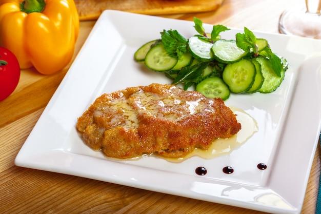 Deutsches schnitzel Premium Fotos